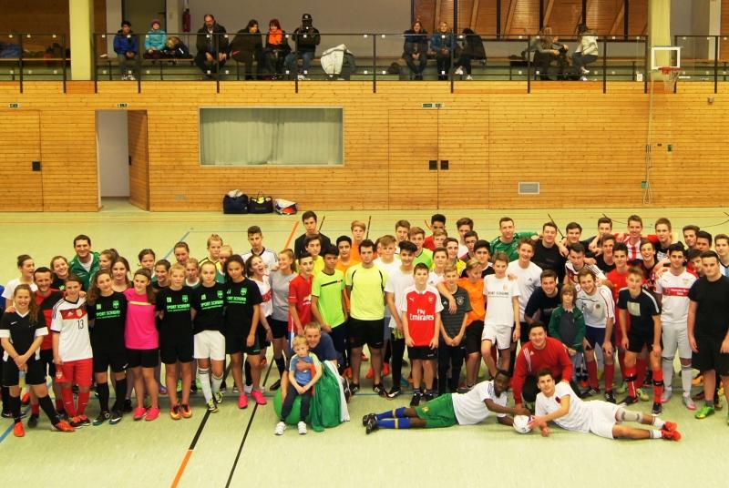 Die Teilnehmer bei der Premiere des Juniorteam-Turniers.