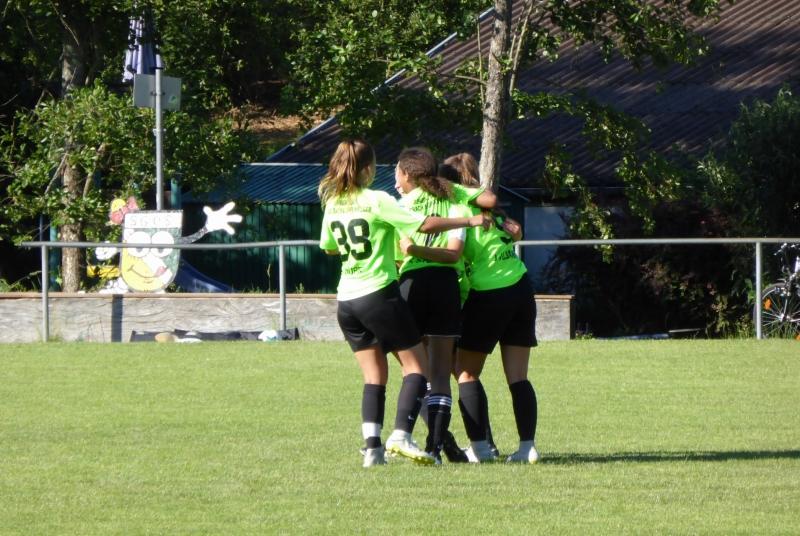 Jubeln durften unsere Mädels nach 5 Toren und hoffentlich auch diesen Samstag noch weitere Male!